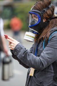 Co je to plynová maska? A jak vlastně funguje?