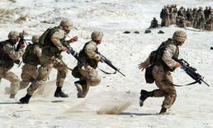 Jak se stravují vojáci během misí? Znáte pojem MRE?